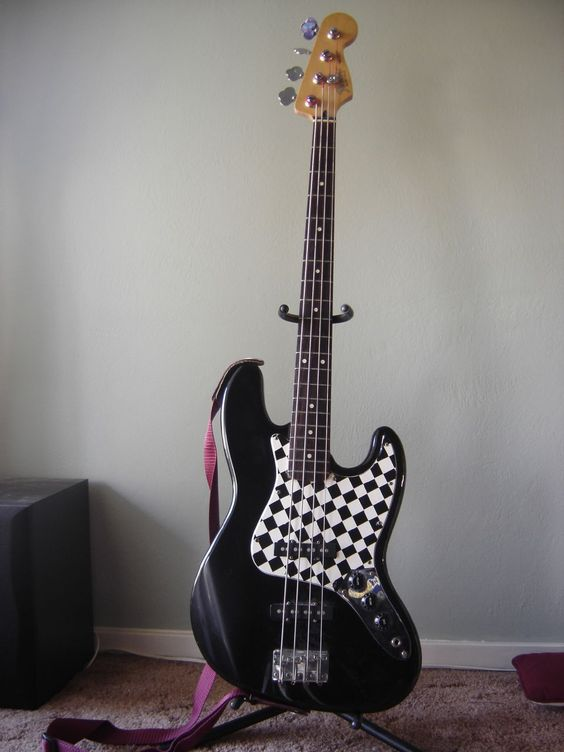 Fender Jazz Bass checkered pickguard