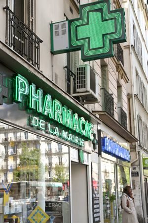 Bonjour Paris - Doctors, Medicine, Hospitals and Pharmacies in France: