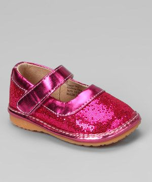 Steps and style will be amplified with these squeaker mary janes that encourage little ones to stride from heel to toe. Featuring gobs of sparkles, adjustable straps and removable squeakers, this pair looks and feels as fantastic as it sounds.