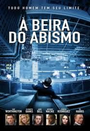 Nick Cassidy (Sam Worthington) é um ex-policial, agora fugitivo, que decide ficar no topo de um arranha-céu enquanto uma negociadora do Departamento de Polícia de Nova York tenta convencê-lo a não pular. Quanto mais duram as negociações, a negociadora Lydia Anderson (Elizabeth Banks) percebe que o ex-policial tem outros objetivos.