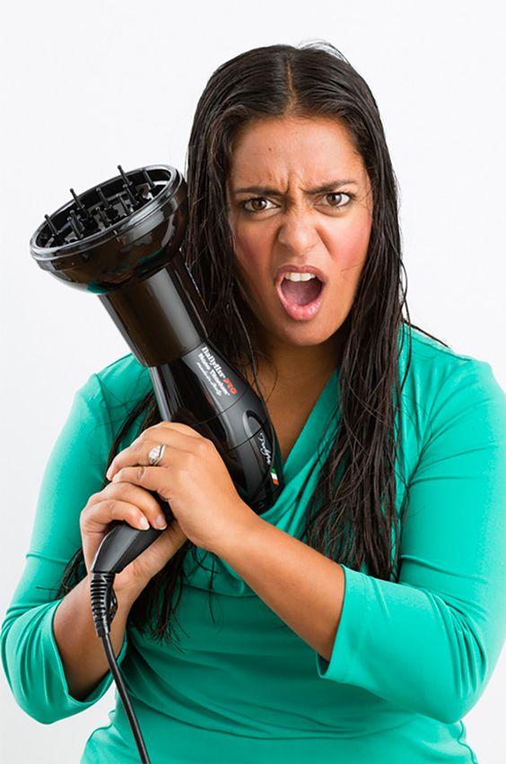 Existem profissionais cabelereiros que afirmar que ambos os procedimentos se assimilam, porém, não é em assim. Ambos têm funções distintas.  Como pudemos ver, o Botox Capilar vem com o objetivo de reconstruir os fios, repondo qualquer nutriente e proteína perdidos. Assim, o cabelo fica forte, saudável e cheio de brilho.