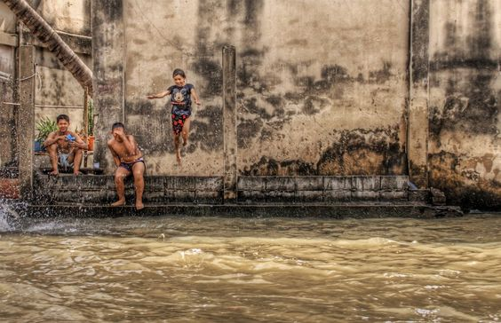Another one of my favorites from #Bangkok. from #treyratcliff at http://www.StuckInCustoms.com - all images Creative Commons Noncommercial