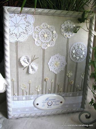 Fleurs. Belle idée de recyclage de dentelles et boutons!