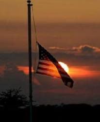 Honor the Chattanooga fallen! #lowertheflags