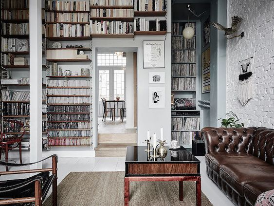 String / ladder shelving in a romantic Swedish home