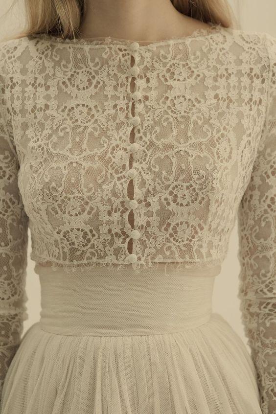 Una verdadera obra de artesanía. De Cortana. #vestidos #novia