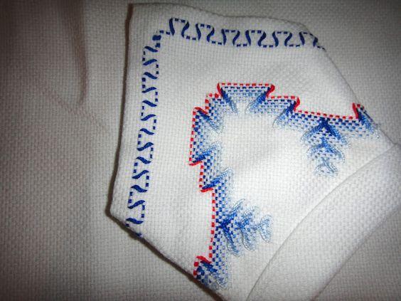 El taller de Naidú: Mantel de merienda en punto yugoslavo.
