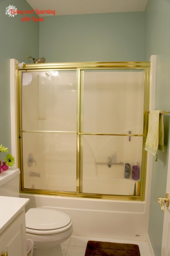 Great tutorial on how to remove glass shower doors!