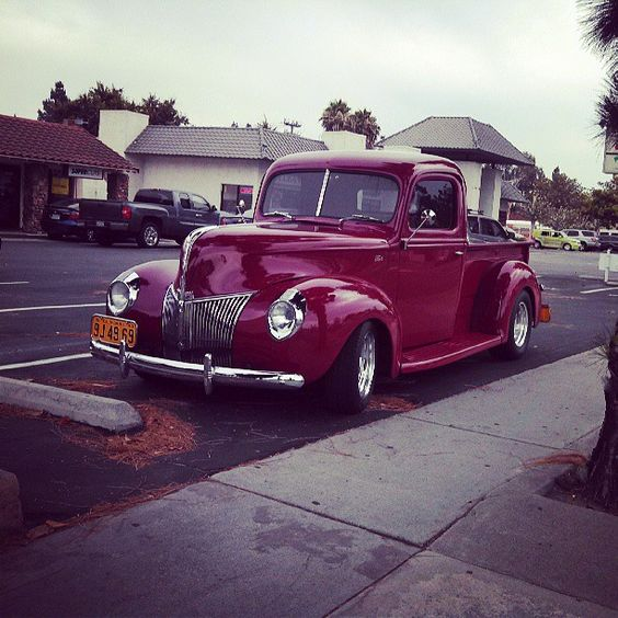 1940's Ford truck.
