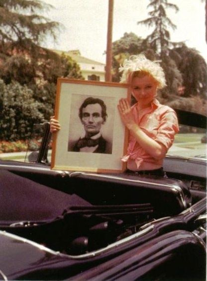 Marilyn with her portrait of Lincoln