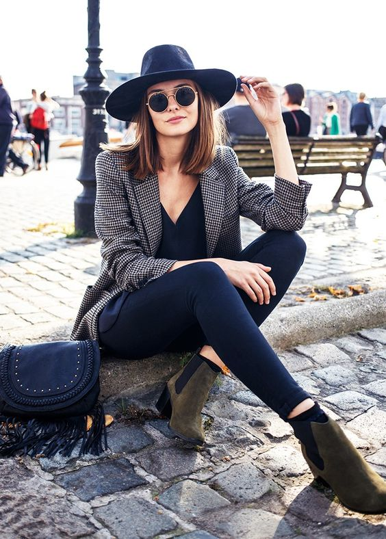 9 Rising Bloggers Who Will Be Huge in 2016 via @WhoWhatWear // paulien riemis