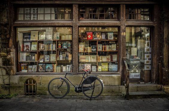 Books & Bike by Daniel Torres on 500px: