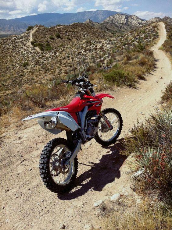 cbr 125 stunt bike game