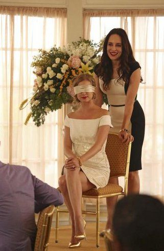 Pin for Later: 75 Stylish Reasons We'll Miss Revenge Season 3 Emily was every bit the bride-to-be in her cap-sleeve sheath.