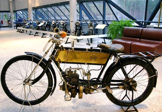 Riga Motor Museum motorcycle collection. F/N (Belgium, 1910) was produced in Belgium in the National Factory of Weapons of War F/N (Fabrique Nationale d'Armes de Guerre) and is a typical example of motorcycles produced in the early 20th century.