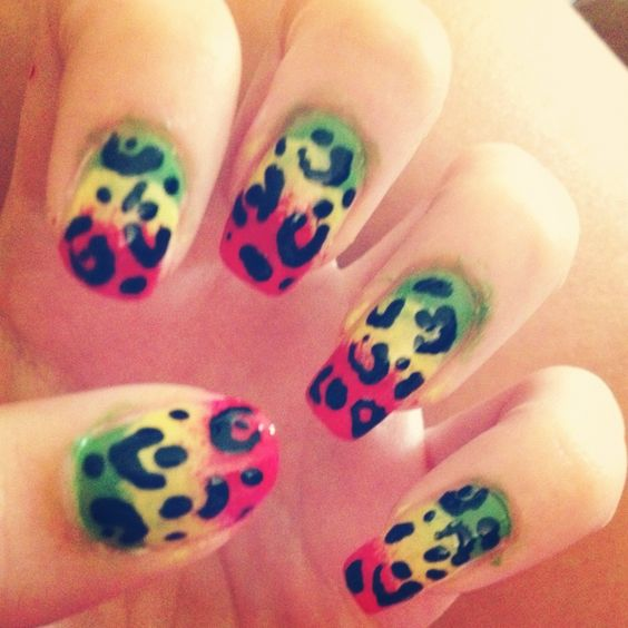 JAIME!!!! We need to do this for the Conch house (Can't you just picture our cute nails wrapped around a Goombay!!!)