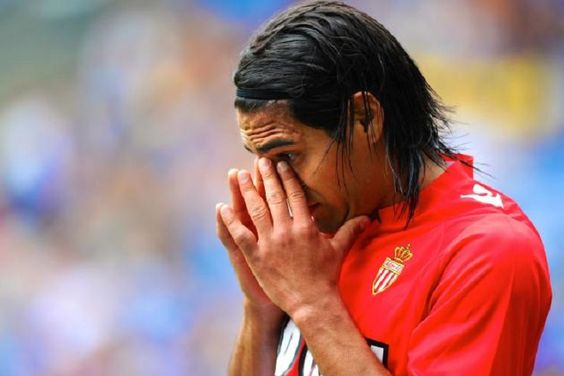 Mercato - Falcao, dernier coup de folie du Real Madrid ?  - http://www.europafoot.com/mercato-falcao-dernier-coup-folie-du-real-madrid/