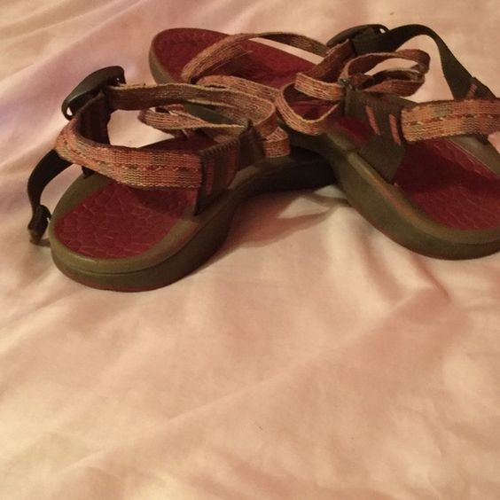 Pink Chaco barely worn Super cute and practical shoes. Great for camps, hiking, going to the lake or anything that's outdoors. Adjustable straps. Only worn 5 times at a summer camp. Chacos Shoes Sandals