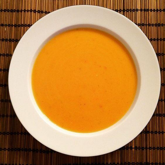 """""""#Suppe mit #Kürbis und #Karotten #lategram"""""""