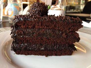 .                                                     : O Chocolatier-Torta de Chocolate Recheada