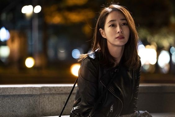 "Lee Min Jung Explains Why She Chose ""Fates And Furies"" Role As Her Comeback Project"