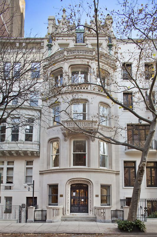 New york style new york and house on pinterest for Townhouse for sale manhattan