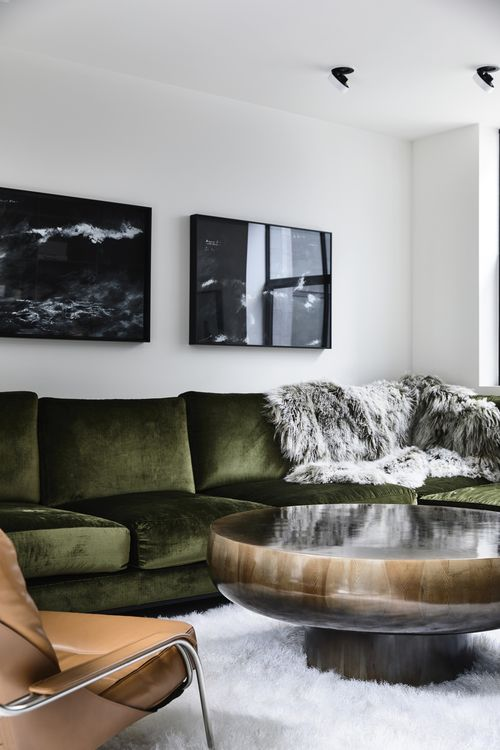 Mix cool and classic through luxurious textures | Décor Aid