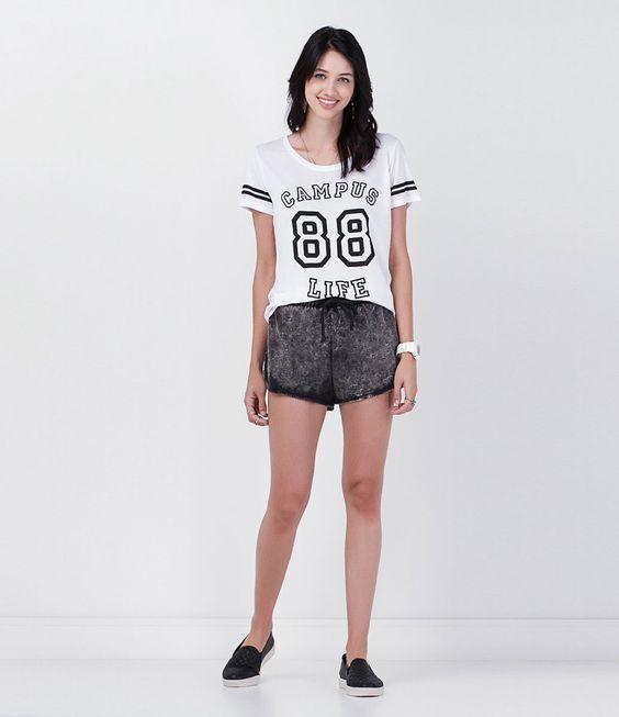 Renner - Blusa em malha estampa Campus Life R$ 35,90