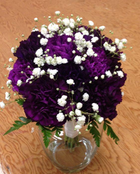Bouquet purple carnations babies breath white ribbon