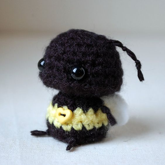 Easy Amigurumi Cat Pattern : Kawaii Baby Bumblebee - Mini Amigurumi Kawaii plush ...