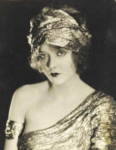 """Ziegfeld Girl: Mary Nolan ~ (1902 – 1948). Nolan began her career as a Ziegfeld girl in the 1920s performing under the stage name 'Imogene """"Bubbles"""" Wilson'. She was fired from the Ziegfeld Follies in 1924 for her involvement in a tumultuous and highly publicized affair with comedian Frank Tinney. She led an extremely colourful life! http://en.wikipedia.org/wiki/Mary_Nolan:"""