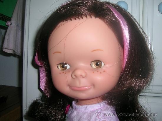 muñeca chatuca de famosa