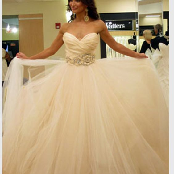 Wedding gowns and yes to the dress on pinterest for Wedding dress in atlanta