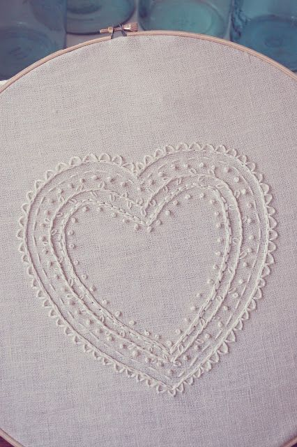 Embroidered Heart tutorial - love the simplify of this design... Would be perfect on a mini hoop as christmas ornament ... Potential as christmas pressing for whanua