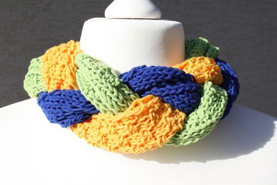 #Mode #Accessoires #Schal #Tuch #gestrickt #gelb #blau #grün  Hier ein Exemplar der Kollektion Tücher und Schals: dieses Mal ein besonders edles und elegantes Exemplar aus Wolle gestrickt. Drei...