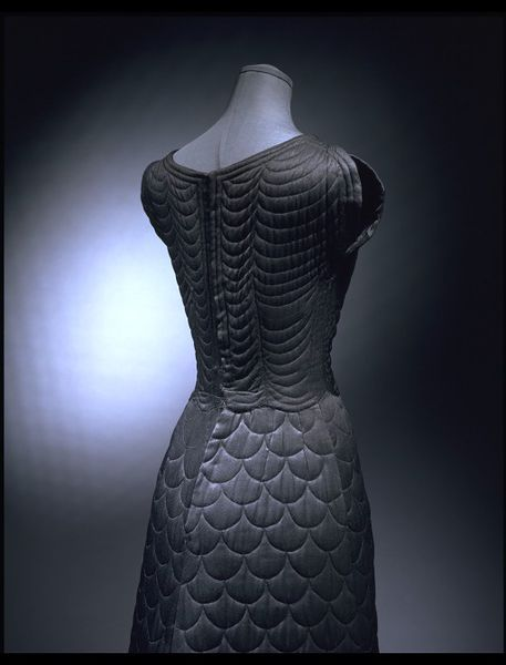 Detail of the dress back.