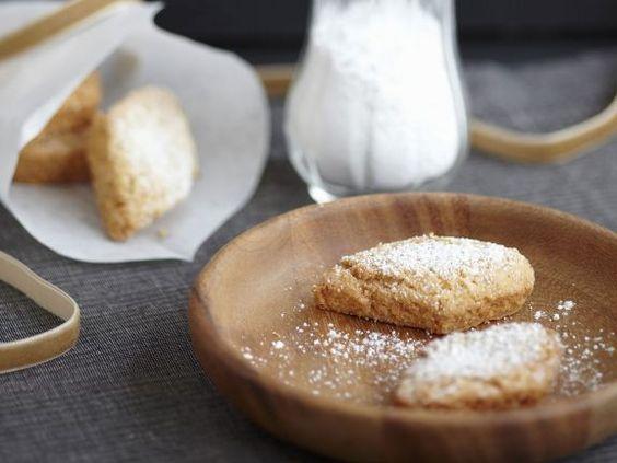 Mandelplätzchen (Mutzenmandeln) ist ein Rezept mit frischen Zutaten aus der Kategorie Mürbeteig. Probieren Sie dieses und weitere Rezepte von EAT SMARTER!