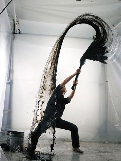 Shinichi Maruyama practicing his kusho art: Japanese calligraphy in the sky. His work is amazing and can be found at shinichimaruyama.com.: