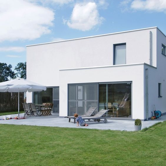 Moderne villa op n jaar tijd house pinterest villa 39 s - Moderne huis op een helling ...