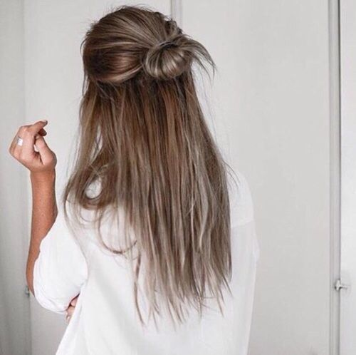 Show Me The Sky Falling Down Pinterest Carriefiter 90s Fashion Street Wear Street Style Photog Long Hair Styles Straight Prom Hair 5 Minute Hairstyles