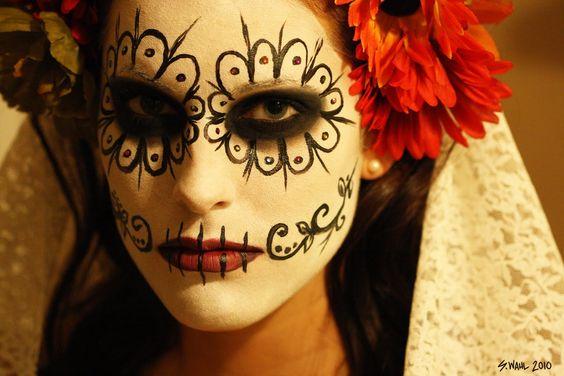 What beautiful Día de los Muertos make-up. #ModernLatino