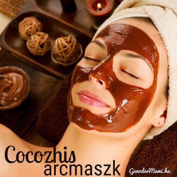 Ha szereted a kakaó illatát, imádni fogod ezt az arcmaszkot. Hozzávalók: 1/3 csésze Cocozhi por ¼ csésze méz (lehetőleg akác) 3 ek. tejszín 2 ek. zabliszt Addig kevergesd a hozzávalókat, amíg sima, krémes állagot nem kapsz. Kend arcodra a maszkot, majd 15 perc elteltével öblítsd le langyos vízzel. A kakaó ragyogást ad az arcodnak, hidratálja a bőröd, tele van antioxidánssal, lassítja az öregedést és serkenti a kollagén termelést. Na, kipróbálod?