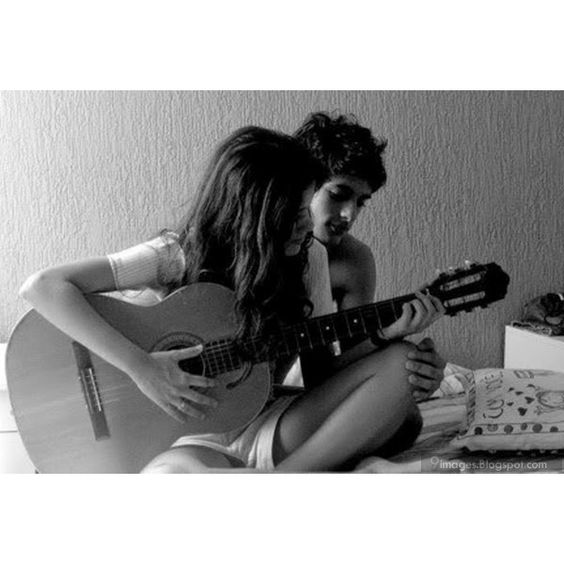 Cute couple playing guitar teen lovers romantic ❤ liked on Polyvore featuring couples, pictures, backgrounds and imagenes