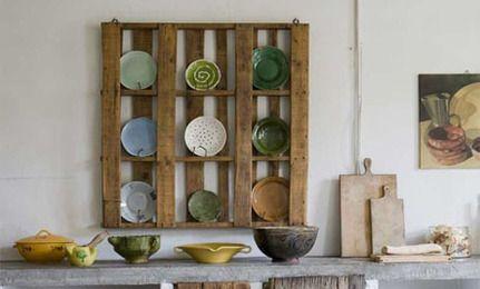 DIY: Reclaimed Pallet Plate Rack