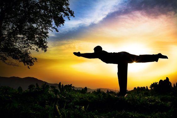 El Yoga es un ejercicio muy beneficioso para el desarrollo corporal y mental.