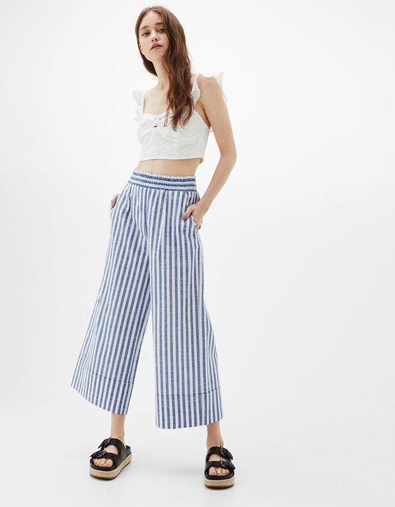 Pantalón culotte rayas goma cintura. Descubre ésta y muchas otras prendas en Bershka con nuevos productos cada semana