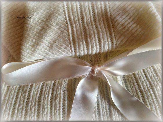 En lana, perlé y angora para bebé: Modelo 14
