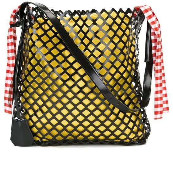 Marques'almeida oversized netted shoulder bag (1,297 CAD) ❤ liked on Polyvore featuring bags, handbags, shoulder bags, black, shoulder bag purse, shoulder hand bags, oversized purses, shoulder handbags and oversized handbags