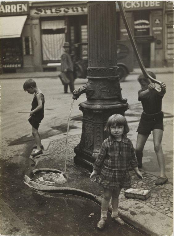Friedrich Seidenstücker,  At the Waterpump, 1927