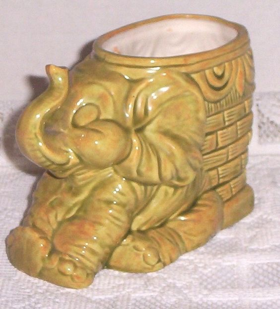 Planter Handmade Vintage 1977 Elephant 6 in By 5 in